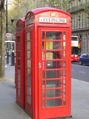 Red phone booth UK